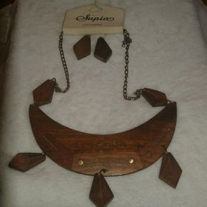 Supra wood necklace & earrings